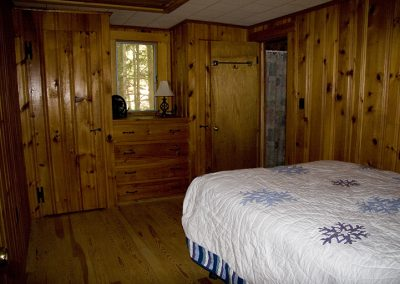 IMG_4214_bedroom_1