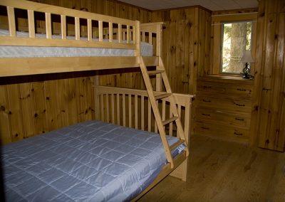 IMG_4216_bedroom_2